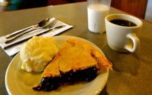 huckleberry pie and icecream